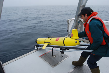 Deploying the SLOCUM Glider, Photo credit Ocean Tracking Network