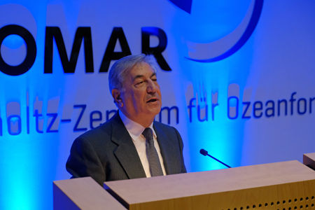 EU Commissioner Karmenu Vella receives German Ocean Award