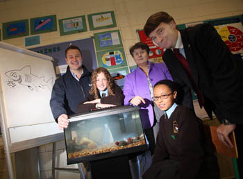 L-R Pat O' Suilleabhain of Bray Sea Life Centre, Maria Spring - Principal of St. Clares Primary School and Dr. Peter Heffernan with two Sixth Class Pupils at the launch of the Programme - Photos Jason Clarke Photography.