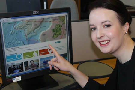 Lisa Doran Communication Stagiaire with the new Marine Institute website.